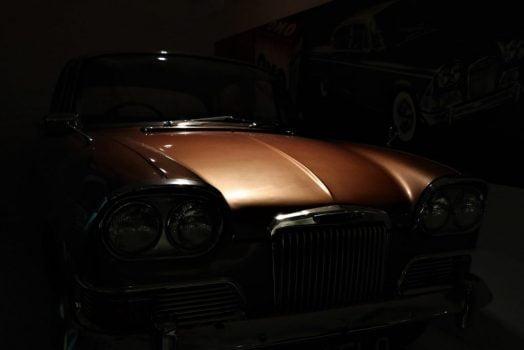 Brun bil